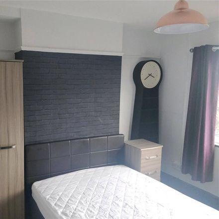 Rent this 3 bed house on Trem Elidir in Bangor LL57 2TP, United Kingdom