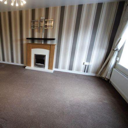 Rent this 3 bed house on Featherbed Close in Calderdale HX4 8EB, United Kingdom
