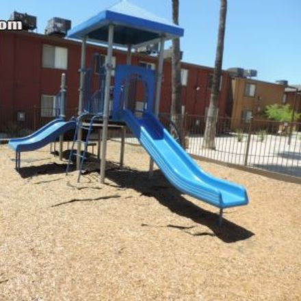 Rent this 1 bed apartment on 3886 East Weldon Avenue in Fresno, CA 93703