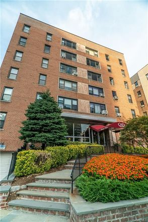 Rent this 2 bed condo on 10 North Broadway in White Plains, NY 10601