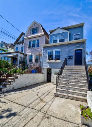 Rent this 6 bed duplex on Arlington Ave in Jersey City, NJ