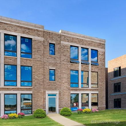 Rent this 2 bed townhouse on W Palmer St in Chicago, IL