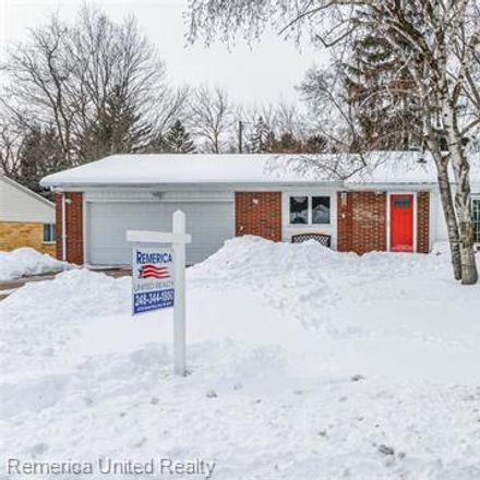 Rent this 3 bed townhouse on Border Hill Rd in Novi, MI