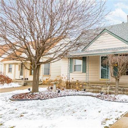 Rent this 3 bed house on 13686 Jobin Street in Southgate, MI 48195