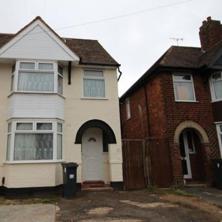Rent this 5 bed house on Northway in Warwick CV31 2AS, United Kingdom