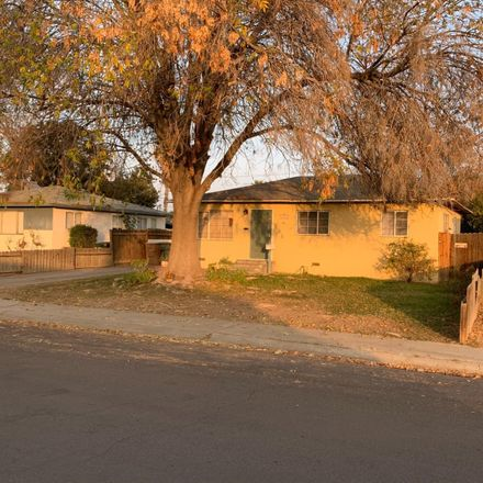 Rent this 3 bed house on 208 Curran St in Bakersfield, CA