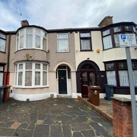 Rent this 3 bed house on Shirley Gardens in London IG11 9XA, United Kingdom