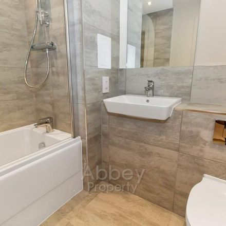 Rent this 1 bed apartment on Luton LU2 0SX