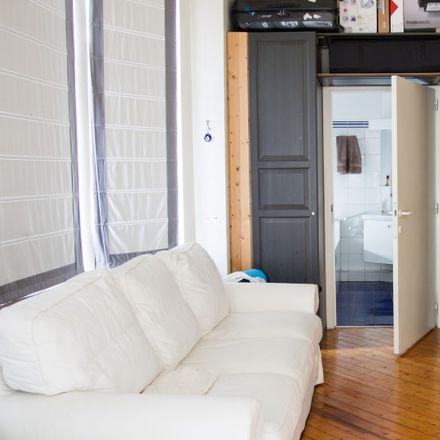 Rent this 2 bed apartment on Avenue de la Chasse - Jachtlaan 34 in 1040 Etterbeek, Belgium
