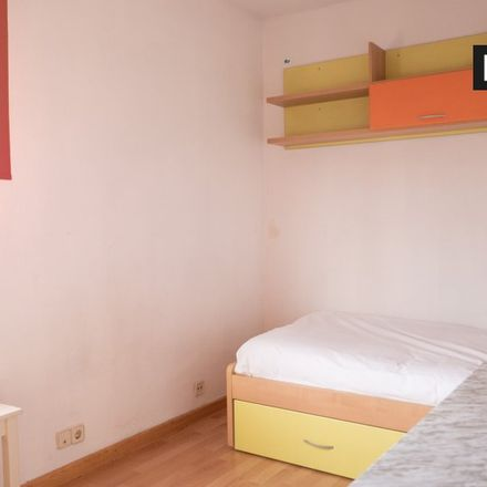 Rent this 3 bed apartment on Calle Azahar in 7, 28903 Getafe