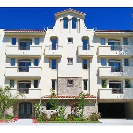 Rent this 3 bed condo on Coldwater Canyon Avenue in Los Angeles, CA 91604