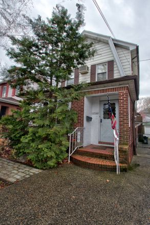Rent this 2 bed duplex on 1726 East 29th Street in New York, NY 11229