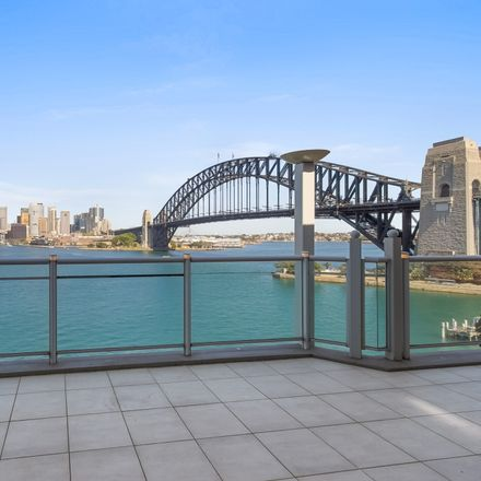 Rent this 3 bed apartment on 69 Kirribilli Avenue