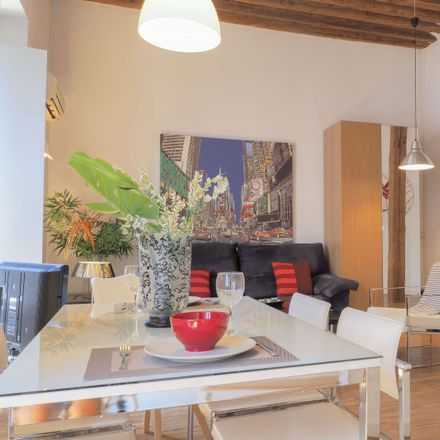 Rent this 3 bed apartment on Calle de Atocha