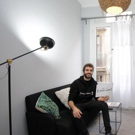 Rent this 2 bed apartment on Giovanni Gelateria Italiana in Carrer de l'Argenteria, 55