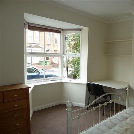 Rent this 5 bed house on 117 Milton Road in Southampton SO15 2JD, United Kingdom