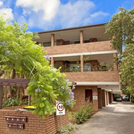 Rent this 2 bed apartment on 4/12 Hainsworth Street