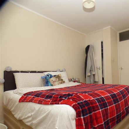 Rent this 2 bed apartment on Chaucer Court in New Dover Road, Canterbury CT1 3AU