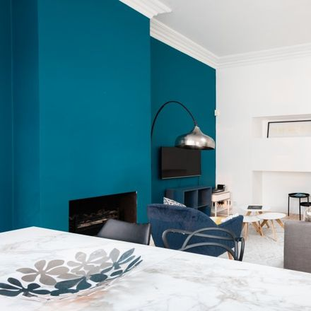 Rent this 2 bed apartment on Capellanía Catolica Española in 47 Palace Court, London W2 4LS