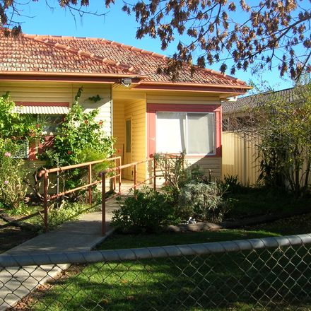Rent this 1 bed apartment on 2/29 Hovell Street