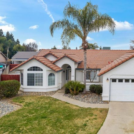 Rent this 3 bed house on North Greenwood Street in Tulare, CA 93274-8029