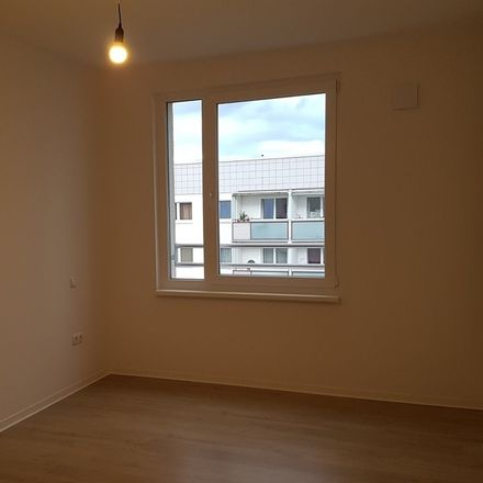 Rent this 5 bed apartment on Müller-Berset-Straße 26 in 01309 Dresden, Germany