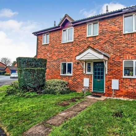 Rent this 3 bed house on 30 Violet Close in South Cambridgeshire CB1 9YW, United Kingdom