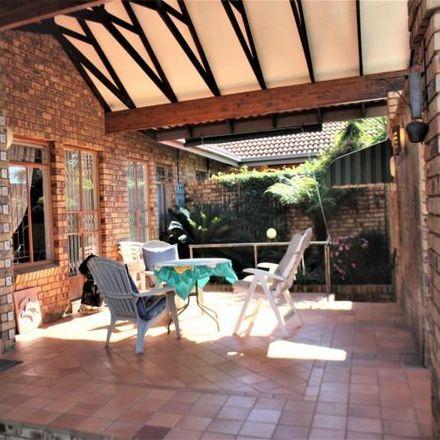 Rent this 3 bed townhouse on Koedoeberg Road in Wapadrand, Gauteng