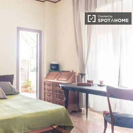 Rent this 3 bed room on Linea Ufficio Informatica s.r.l. in Via Jacopo Sannazzaro, 30