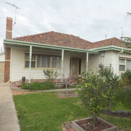 Rent this 3 bed house on 12 Lake Street