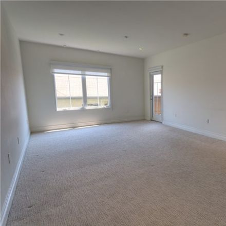 Rent this 3 bed condo on N Laurel Ave in Los Angeles, CA
