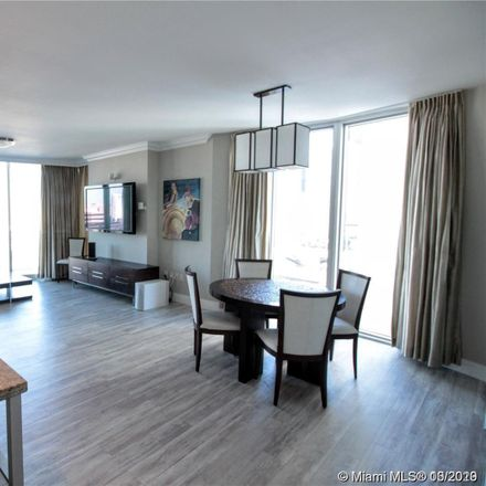 Rent this 3 bed condo on SW 7th St in Miami, FL