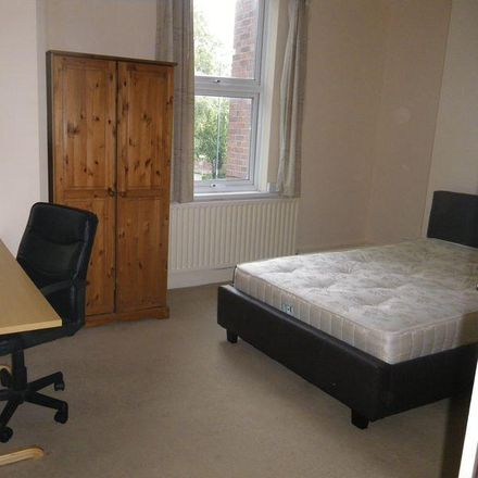 Rent this 5 bed room on 24 Claypole Road in Nottingham NG7 6AB, United Kingdom
