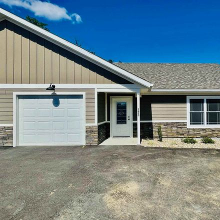 Rent this 3 bed condo on 1423 24th Street in Bedford, IN 47421