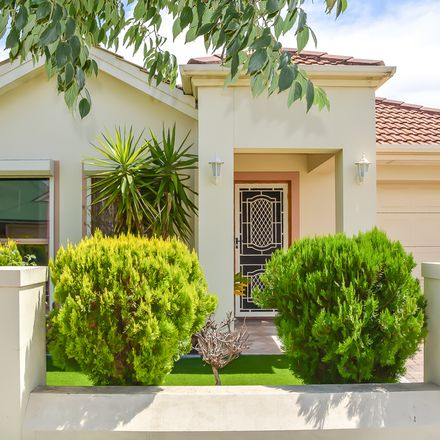 Rent this 3 bed house on 11 Brookside Drive