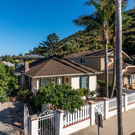 Rent this 3 bed house on 633 West de la Guerra Street in Santa Barbara, CA 93101