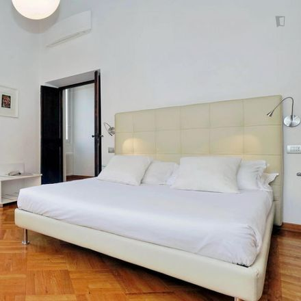 Rent this 1 bed apartment on Osteria 140 in oyster bar, Via dei Banchi Vecchi