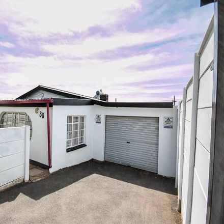 Rent this 3 bed house on Kent Street in Montclare, Johannesburg