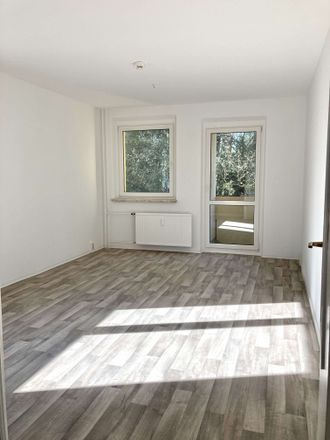 Rent this 1 bed apartment on Neuer Friedberg 29 in 98527 Suhl, Germany