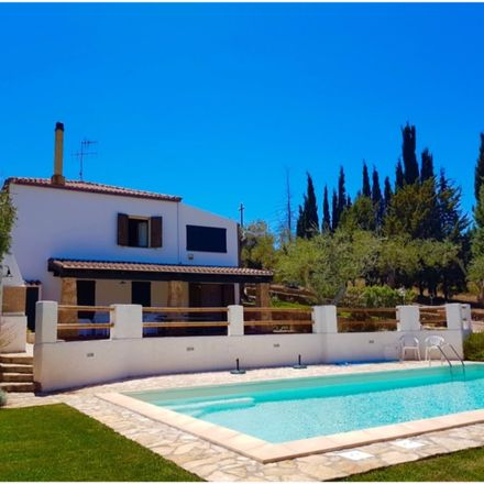 Rent this 3 bed house on Via Valverde in 07041 Alghero - L'Alguer SS, Italy