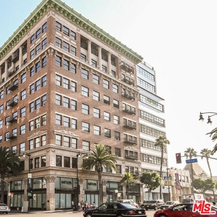 Rent this 1 bed loft on Vine St in Los Angeles, CA