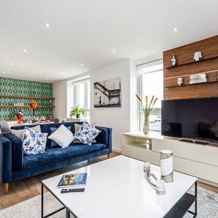 Rent this 6 bed apartment on Buchan House in Hanbury Road, London W3