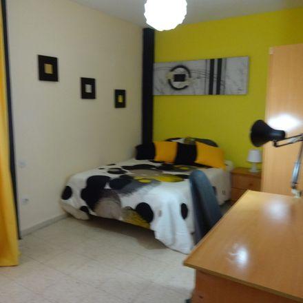 Rent this 6 bed room on Plaza Juan XXIII in 8, 28804 Alcalá de Henares