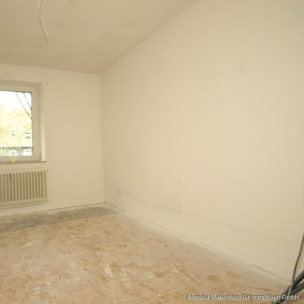Rent this 3 bed apartment on Gendorfer Straße 6 in 45772 Marl, Germany