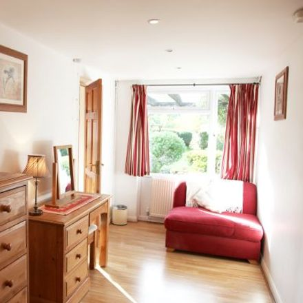 Rent this 3 bed apartment on Sheephouse Road in Maidenhead SL6 8HH, United Kingdom