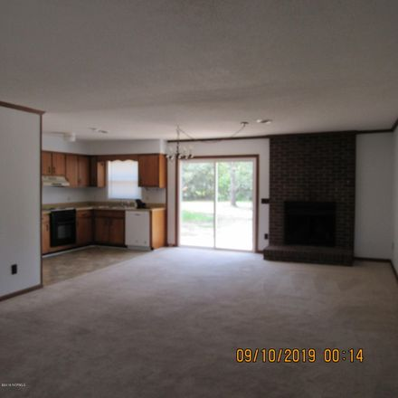 Rent this 3 bed house on Arnold Rd in Wilmington, NC