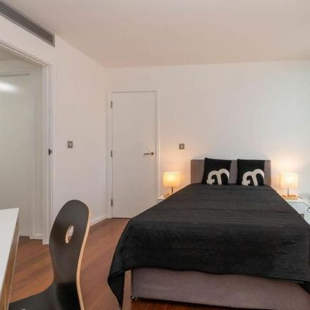 Rent this 3 bed apartment on Radisson Blu hotel in 12 Holloway Circus Queensway, Attwood Green B1 1BT