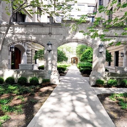 Rent this 2 bed townhouse on 2335-2341 North Commonwealth Avenue in Chicago, IL 60614