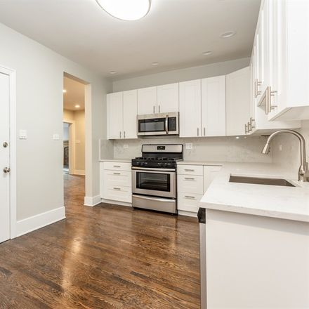 Rent this 5 bed apartment on 838-840 East 52nd Street in Chicago, IL 90615