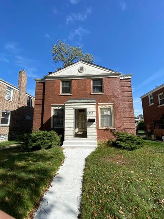 Rent this 3 bed house on 9813 South Hoxie Avenue in Chicago, IL 60617